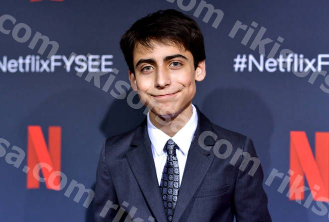 Umbrella Academy's Aidan Gallagher släppte just en pop-punk-låt